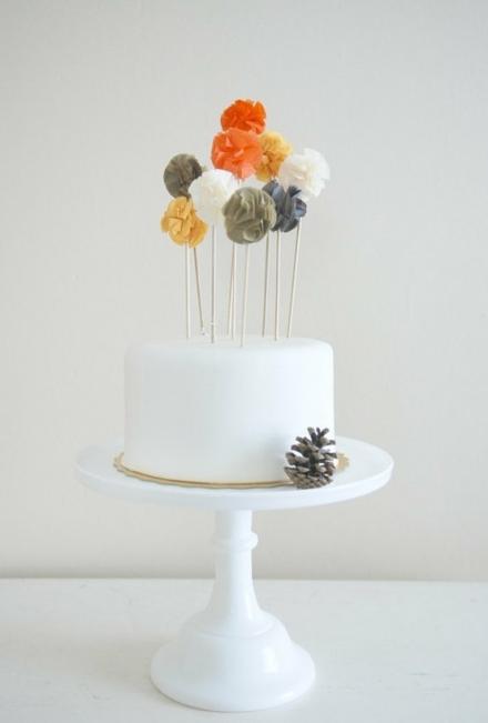 Spalvinga puokštė torte