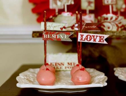 Meilės skonis rankomis gamintuose saldumynuose