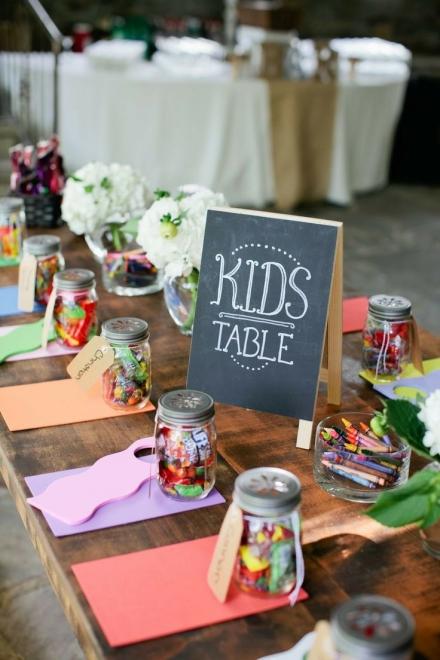 Šventinis stalas vaikams